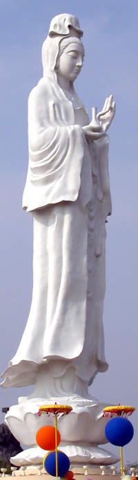 One of many modern statues of Quan Yin: a living tradition